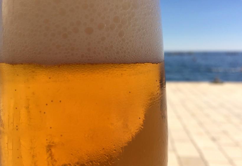 ¡Una cerveza, por favor!