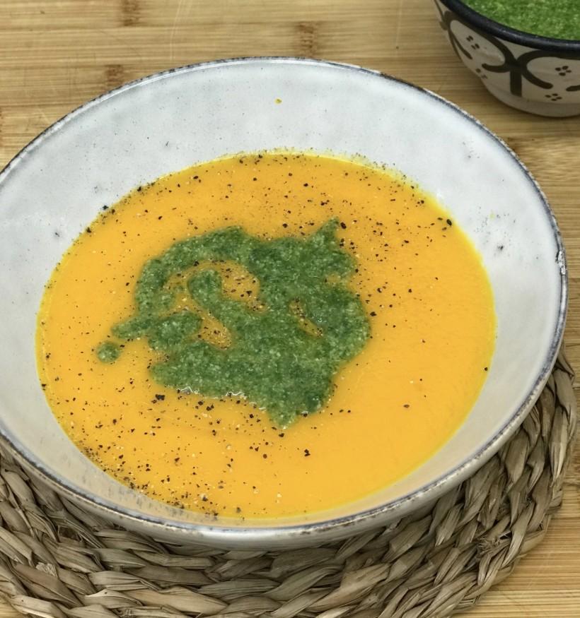 Crema de zanahorias con agua de vichy